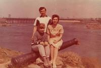 1987 рік з батьками на о. Хортиця